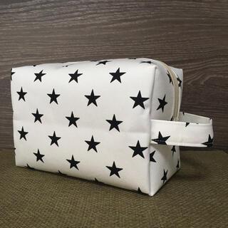 白×黒星 オムツポーチ お着替えポーチ おむつポーチ マルチポーチ ハンドメイド