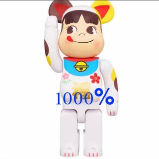 メディコムトイ(MEDICOM TOY)の即日発送可能 BE@RBRICK 招き猫 ペコちゃん 福 1000%(その他)