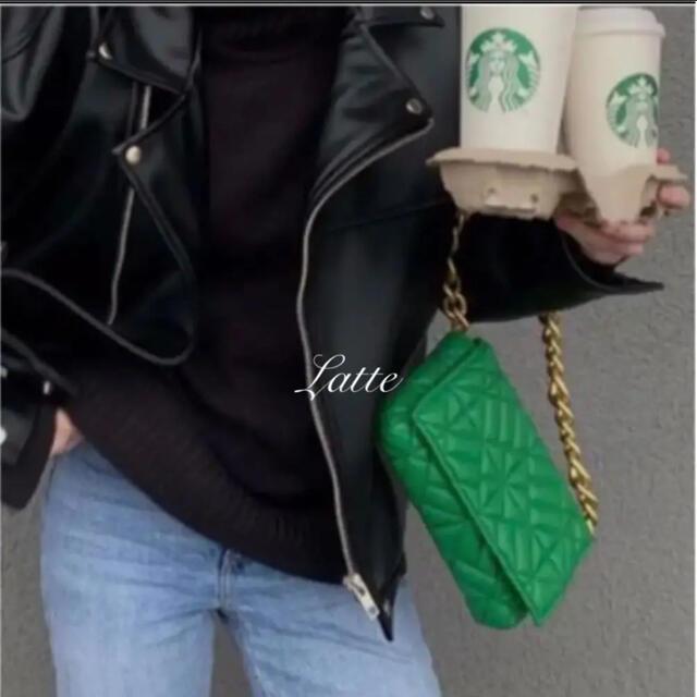 ZARA(ザラ)のZARA チェーンショルダーバッグ  グリーン レディースのバッグ(ショルダーバッグ)の商品写真