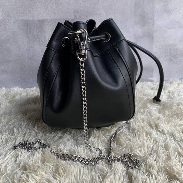Vivienne Westwood(ヴィヴィアンウエストウッド)のヴィヴィアンウエストウッド LILTH 巾着ショルダーバッグ  レディースのバッグ(ショルダーバッグ)の商品写真