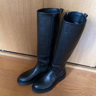 ザラ(ZARA)のロングブーツ(ブーツ)
