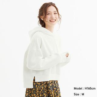 ジーユー(GU)のGU ★01 OFF WHITE★ クロップドスウェットプルパーカ(長袖)(パーカー)