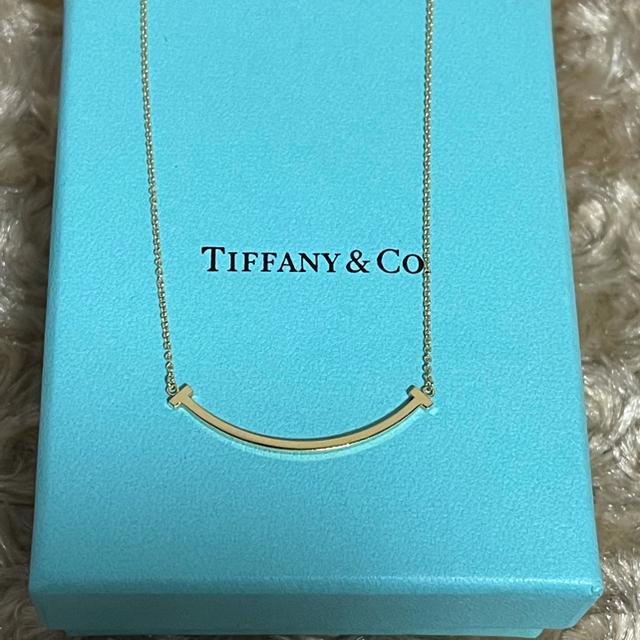 Tiffany & Co.(ティファニー)のティファニー Tスマイル AU750 イエローゴールド ネックレス レディースのアクセサリー(ネックレス)の商品写真