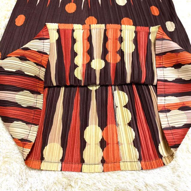 PLEATS PLEASE ISSEY MIYAKE(プリーツプリーズイッセイミヤケ)の新品・タグ付き プリーツプリーズ イッセイミヤケ ロングスカート 大きいサイズ レディースのスカート(ロングスカート)の商品写真