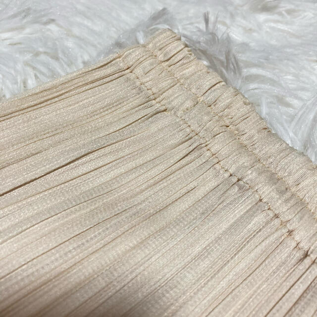 PLEATS PLEASE ISSEY MIYAKE(プリーツプリーズイッセイミヤケ)の【美品】PLEATS PLEASE イッセイミヤケ ミモレ丈 スカート サイズ1 レディースのスカート(ロングスカート)の商品写真