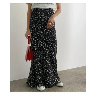IENA - ロペマドモアゼル 黒 花柄 ヴィンテージライクフラワーマーメイドスカート