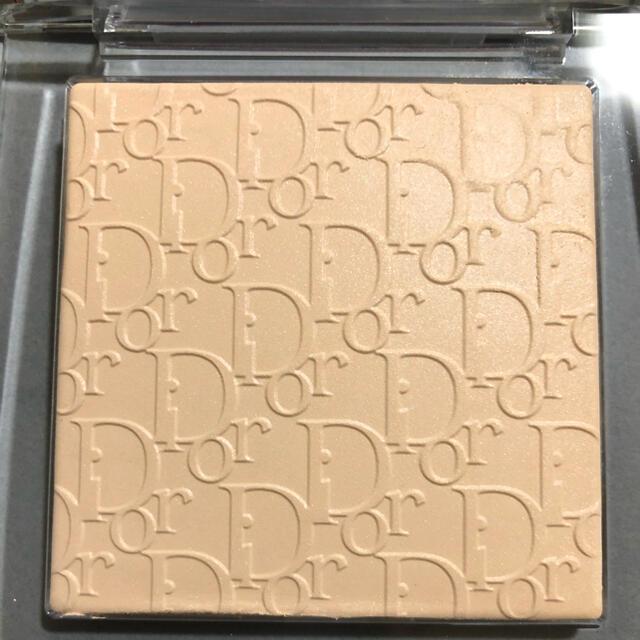 Dior(ディオール)の新製品 ディオール バックステージフェイス&ボディパウダー コスメ/美容のベースメイク/化粧品(フェイスパウダー)の商品写真
