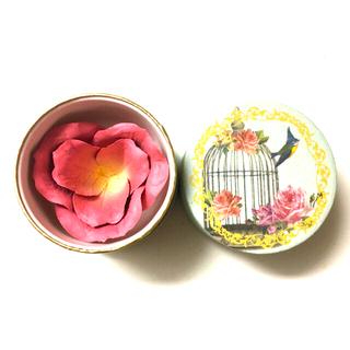 レメルヴェイユーズラデュレ(Les Merveilleuses LADUREE)の未使用 ラデュレ 花びらチーク(チーク)