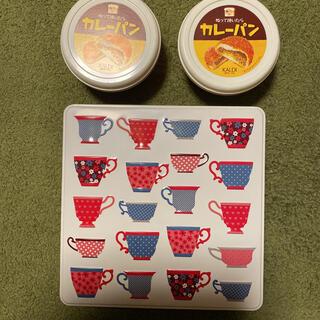 カルディ(KALDI)の新品 カルディ グランマワイルズ ビスケット缶 ぬって焼いたらカレーパン 3点(菓子/デザート)