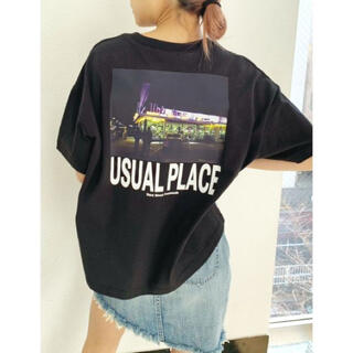 GYDA - GYDA  USUAL PLACE PHOTO スリットTシャツ (F)ジェイダ