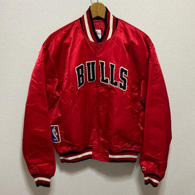 STARTER スターター NBA BULLS ブルズ 中綿 ブルゾン USA製 メンズのジャケット/アウター(スタジャン)の商品写真