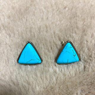 Casselini - 三角形イヤリング