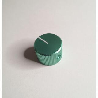 ドレスアップアルミニウム製ノブ グリーン GREEN シャフト幅6.35mm (エフェクター)