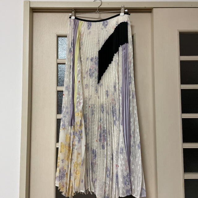 mame(マメ)の6/10まで限定価格 mame kurogouchi スカート 19ss レディースのスカート(ロングスカート)の商品写真