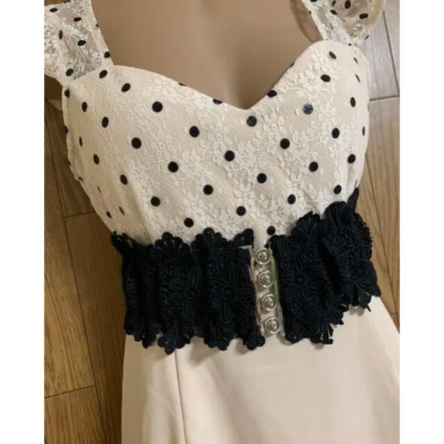 dazzy store(デイジーストア)のドットレース/コルセットベルト/バイカラーワンピースbeM レディースのフォーマル/ドレス(ミニドレス)の商品写真