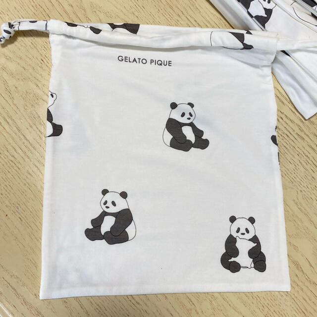 gelato pique(ジェラートピケ)のパンダ柄巾着★ジェラートピケ レディースのファッション小物(ポーチ)の商品写真