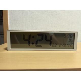 ムジルシリョウヒン(MUJI (無印良品))のデジタル電波時計 置時計・グレー(置時計)