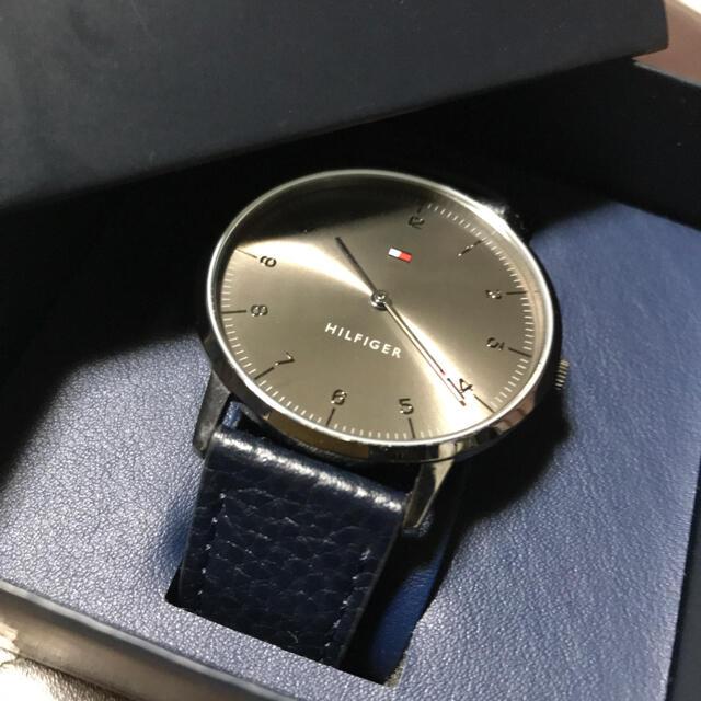 TOMMY HILFIGER(トミーヒルフィガー)のトミヒル腕時計 メンズの時計(レザーベルト)の商品写真