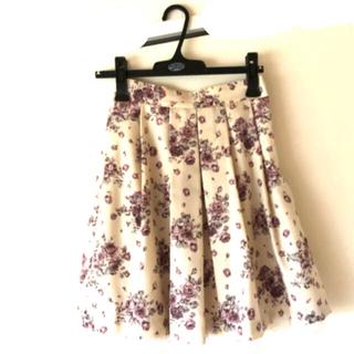 レストローズ(L'EST ROSE)のLESTROSE定番花柄スカート(ひざ丈スカート)