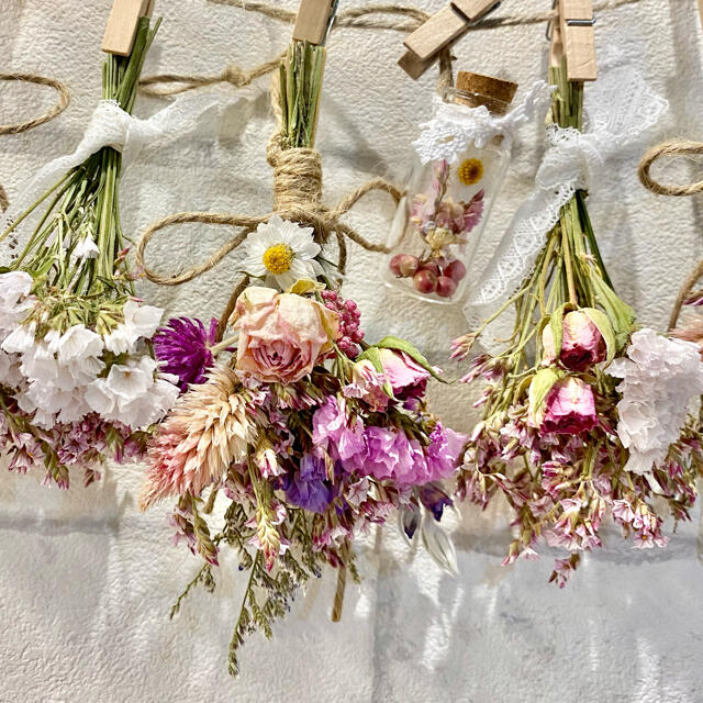 ドライフラワー スワッグ ガーランド❁246ピンク薔薇 花束フラワーボトル付き ハンドメイドのフラワー/ガーデン(ドライフラワー)の商品写真