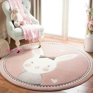 可愛児童の部屋の円形絨緞居間絨緞寝室のベッドのわきに厚く敷く