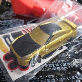 マクドナルド(マクドナルド)のハッピーセット ひみつのおもちゃ トミカ 2021  ゴールド (ミニカー)
