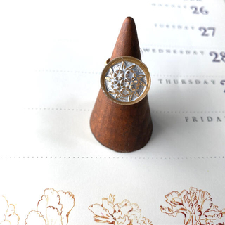 Ameri VINTAGE - ꫛꫀꪝ花束 チェコガラスボタンのリング