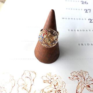 アメリヴィンテージ(Ameri VINTAGE)の花唐草 チェコガラスボタンのリング(リング)