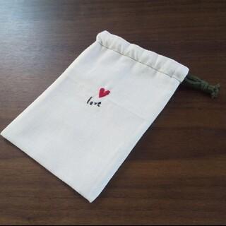 刺繍巾着*ハートlove(ポーチ)