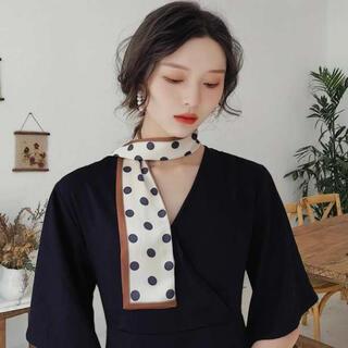 ■限定セール■ 新品 スリム スカーフ ドット 水玉 バッグスカーフ サテン生地(バンダナ/スカーフ)