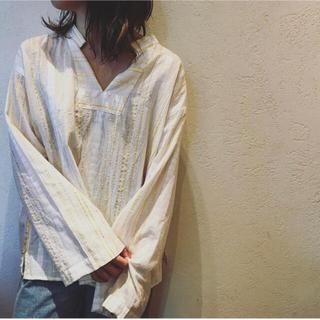 ファビアンルー(Fabiane Roux)のnowos 刺繍ブラウス 超美品(シャツ/ブラウス(長袖/七分))