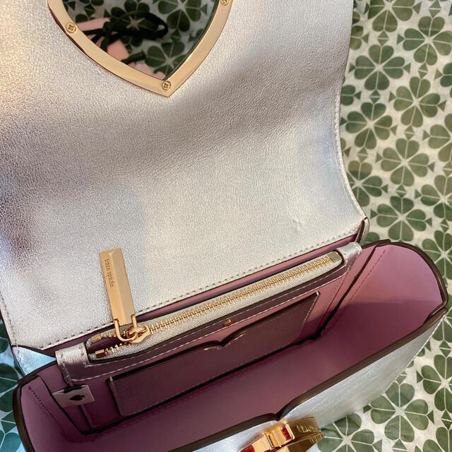 kate spade new york(ケイトスペードニューヨーク)のケイトスペード ニコラ ツイストロック ウォールフラワー 花柄 ショルダーバッグ レディースのバッグ(ショルダーバッグ)の商品写真