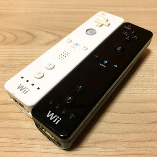 Wii - Wiiリモコン白黒2つセット