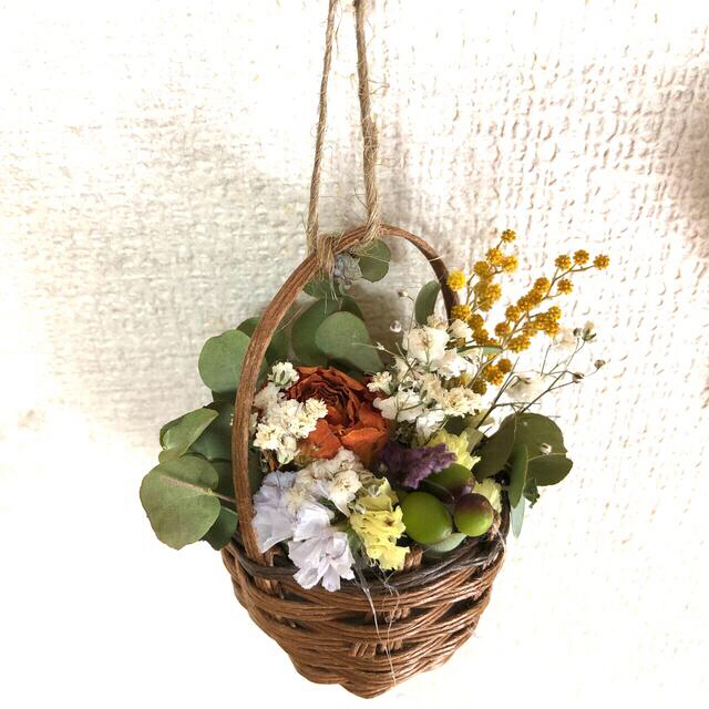 6点 かごの中に花畑 〜ガーランド〜薔薇とユーカリ15種類のドライフラワー〜 ハンドメイドのフラワー/ガーデン(ドライフラワー)の商品写真