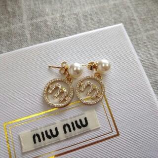 miumiu - ♥ファッション小物♥ MIUMIU ミュウミュウ ピアス 刻印ロゴ 美品