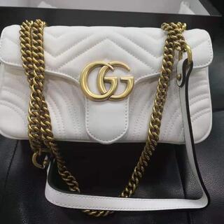 グッチ(Gucci)のGUCCI グッチ GGマーモントキルティング ショルダーバッグ(メッセンジャーバッグ)