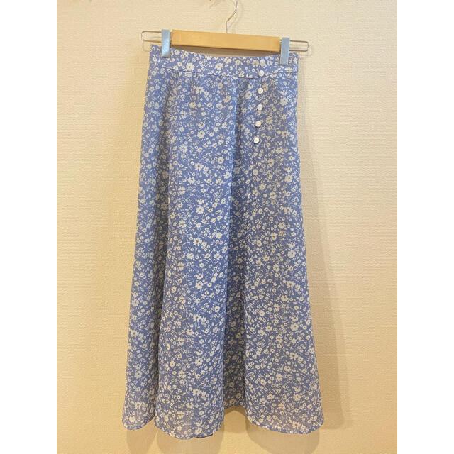JUSGLITTY(ジャスグリッティー)のジャスグリッティー フラワープリントロングスカート レディースのスカート(ロングスカート)の商品写真