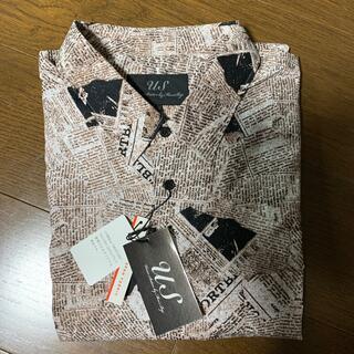 メンズビギ(MEN'S BIGI)の【タグ付新品】お値下げしました。メンズビギ 綿素材 英字プリント長袖シャツ(シャツ)