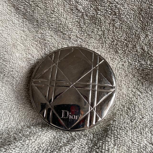 Dior(ディオール)のDior☆ディオールヌードエアールミナイザーパウダー001☆新品未使用 コスメ/美容のベースメイク/化粧品(フェイスパウダー)の商品写真
