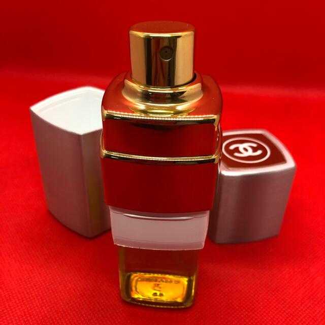 CHANEL(シャネル)の美品 CHANEL香水 No.19  50ml コスメ/美容の香水(香水(女性用))の商品写真
