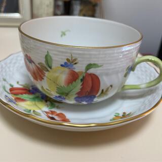 ヘレンド(Herend)の専用 ヘレンド フルーツコンポジション柄 ペインターサイン カップ&ソーサー(食器)