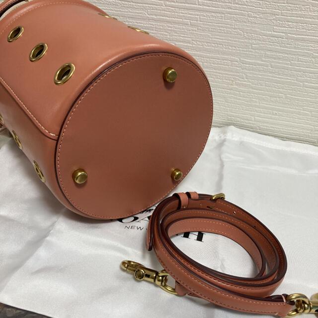 COACH(コーチ)の【新品未使用70400円】COACH コーチ ドローストリング バケット バッグ レディースのバッグ(ハンドバッグ)の商品写真