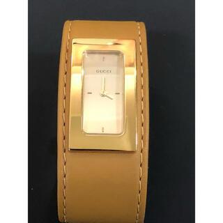 グッチ(Gucci)の美品 GUCCI  バングル 革 クォーツ腕時計 ライトブラウン S (腕時計)