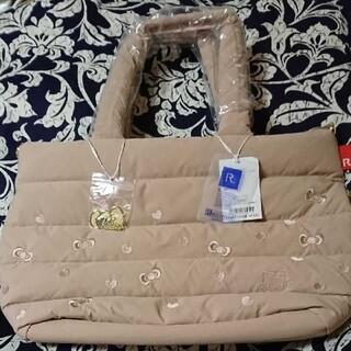ルートート(ROOTOTE)のルートート  ハローキティチャーム付きトートバッグ新品・未使用 送料込み(トートバッグ)