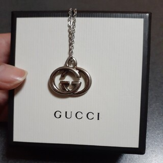 Gucci - GUCCIチャームネックレス
