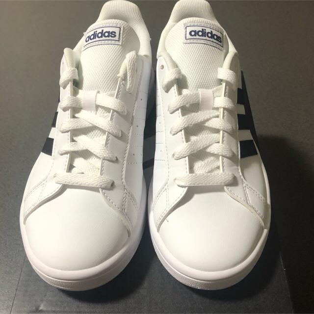 adidas(アディダス)の【MIMILY様専用】アディダス グランド コート ベース 22.5cm レディースの靴/シューズ(スニーカー)の商品写真