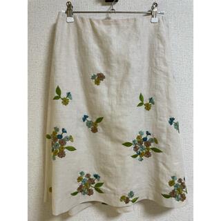 シビラ(Sybilla)の《未使用品》シビラ フレアスカート ベージュ 花柄刺繍 麻100%(ひざ丈スカート)