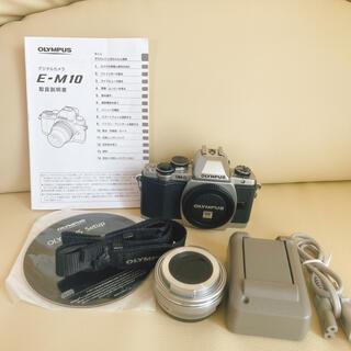 オリンパス(OLYMPUS)のOLYMPUS OM-D  E-M10 カメラ(ミラーレス一眼)