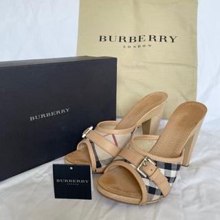 バーバリー(BURBERRY)の極美品 箱付 バーバリーロンドン ノバチェック ウッドヒールパンプス ベージュ(サンダル)