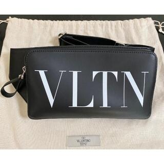 ヴァレンティノ(VALENTINO)のVALENTINO GARAVANI VLTN レザー ベルト バッグ(ボディーバッグ)
